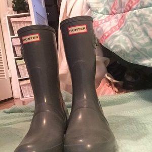 Gray hunter rain boots!